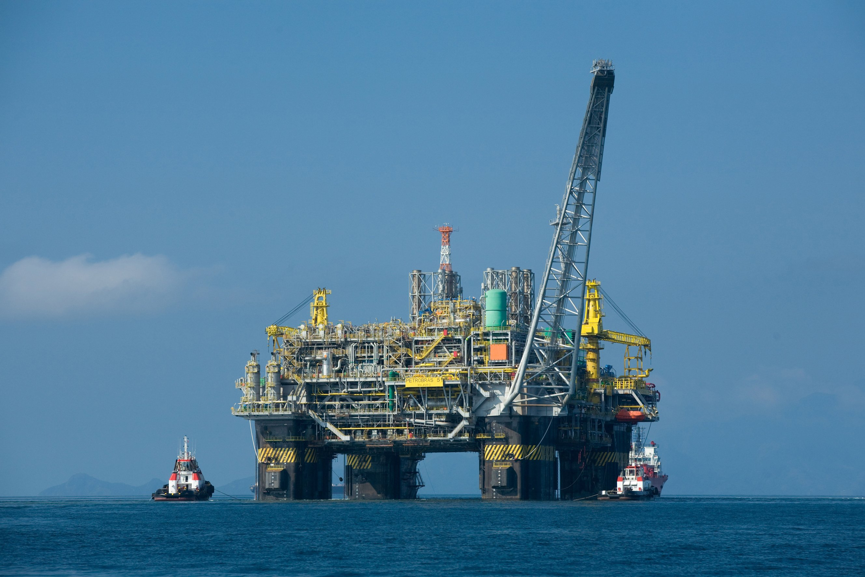 Duplex filter housing in sea applications