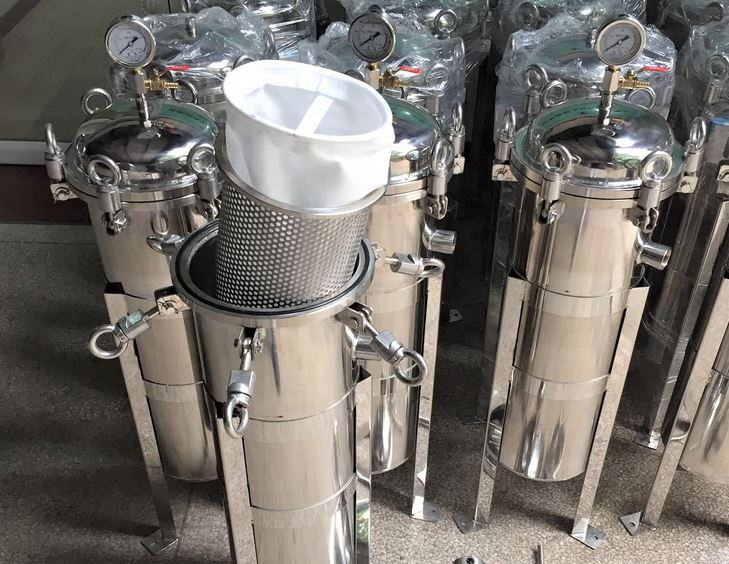 Opening stainless steel bag filter housing