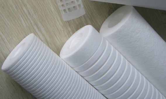 Designs of melt blown filter cartridge
