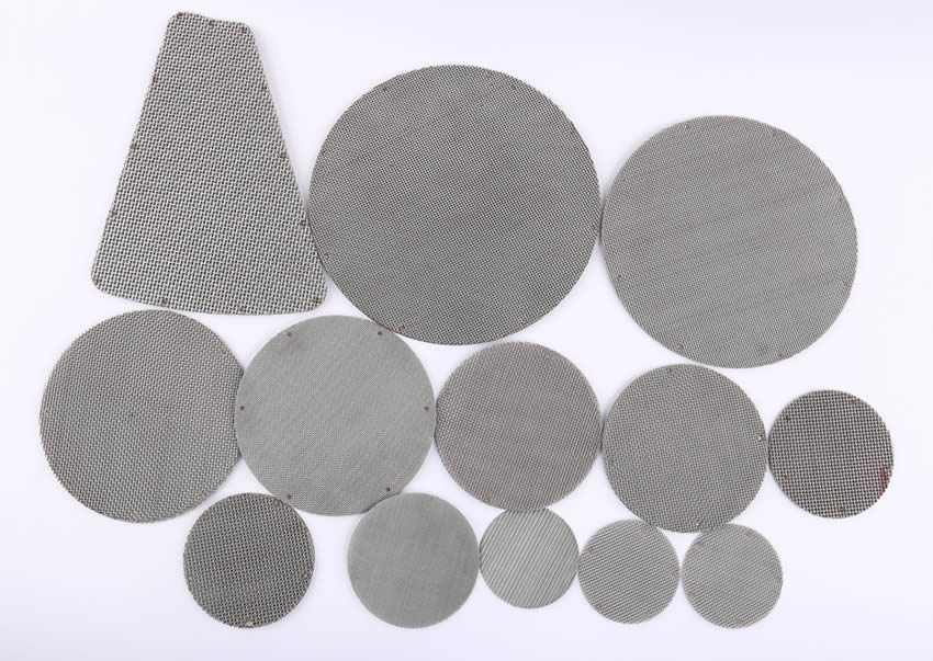 Different sizes of wire mesh filter